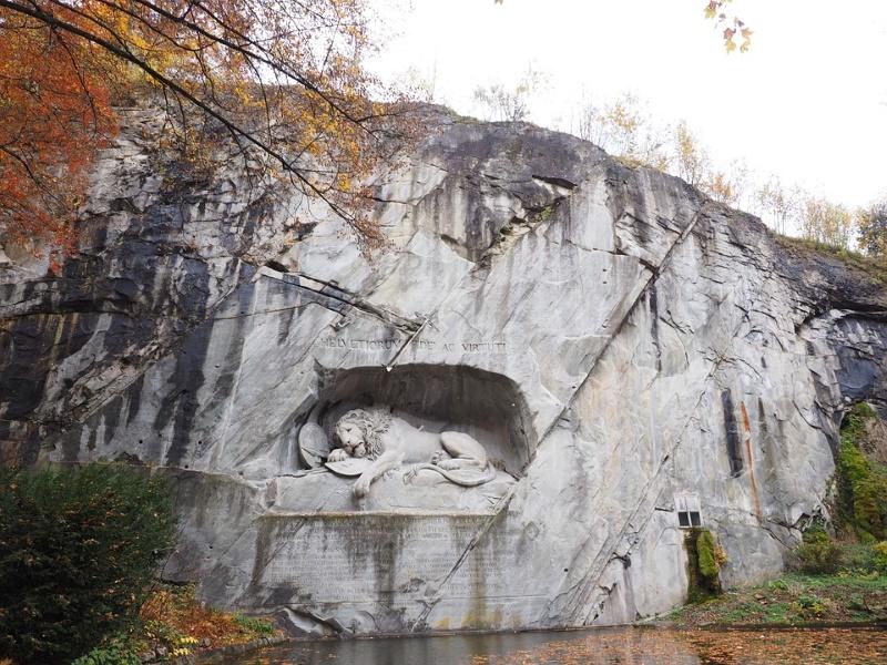 luzern leeuwen monument