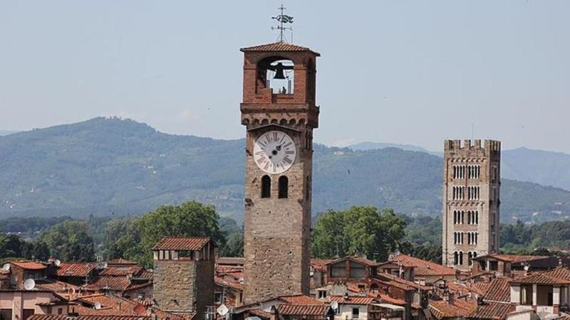 Torre dellOrologio Lucca