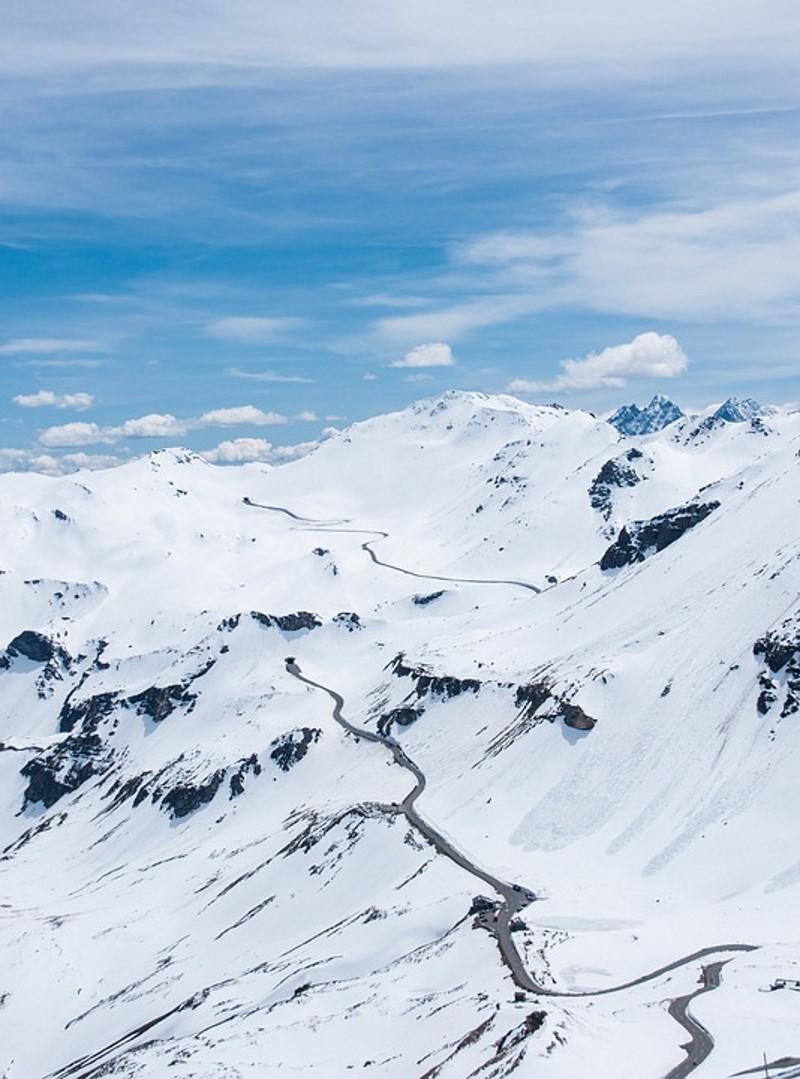 Grossglockner Hochalpenstrasse in de sneeuw