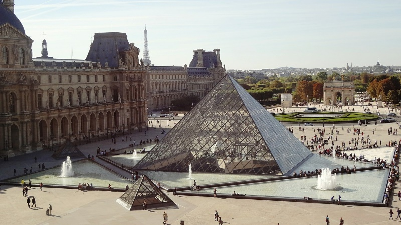 louvre museum in Frankrijk