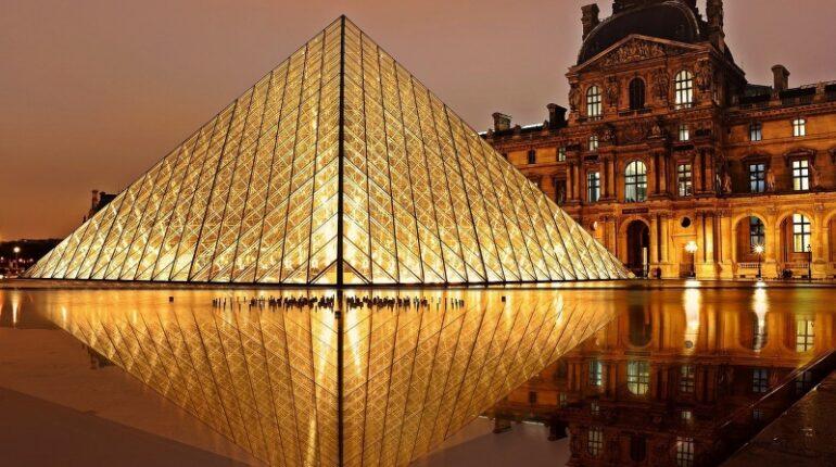 louvre piramide