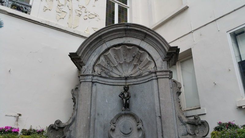 Manneken Pis is klein