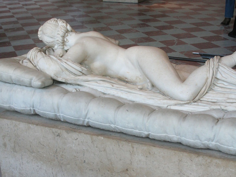 Slapende Hermaphrodite2