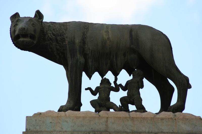 rome standbeeld